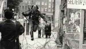 Berlin Duvarı'nın Yıkılışının 29. Yılında, Fotoğraflarla Berlin Duvarı