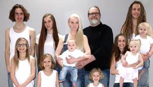 Instagram'ın Yeni Fenomeni 41 Yaşındaki Finlandiyalı Kadının Tam 10 Çocuğu Var