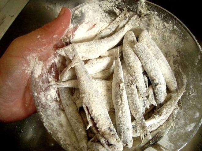 Uzmanlar Uyardı! Balığı Una Bulayıp Kızartmak Kansere Neden Oluyor
