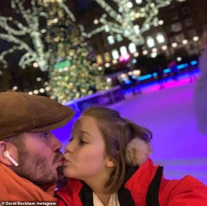 Eski Futbolcu David Beckham, Kızını Dudağından Öptü, Ortalık Karıştı!