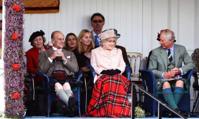 Kate Middleton Kutlamaya Battaniye İle Gitti!