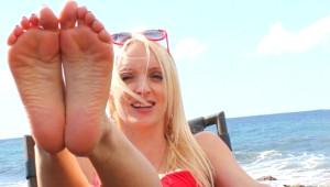 Kokulu Çoraplarını Satarak Yılda 700 bin TL Kazanıyor