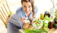 Regl Döneminde Tüketilen Bu Besinler Şişkinliği ve Ağrıyı Azaltıyor