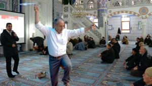 Muharrem İnce Camide Halay Bile Çekti! İşte 2018'e Damgasını Vuran En Absürd 5 Haber