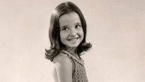 Fotoğraftaki Cici kız, Şimdilerde Herkesin Tanıdığı Ünlü Oyuncu!