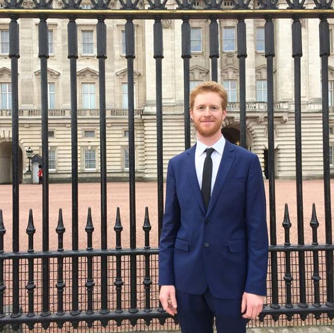 İngiltereli Emlakçı Sırf Prens Harry'e Benzetildiği İçin Paraya Para Demiyor
