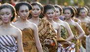 Yedi Kez Aynı Kişiyle Cinsel İlişkiye Girenin Dileği Kabul Oluyor! İşte Dünyanın En İlginç Cinsel Gelenekleri