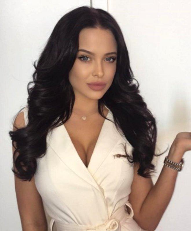 21 Yaşındaki Genç Modelin, Angelina Jolie'ye Olan Benzerliğini Gören Şok Oluyor!