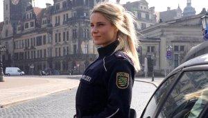 6 Aylığına Dünya Turuna Çıkan Ateşli Polisten Hayranlarını Şaşırtan Karar