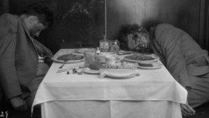 Makarna Yerken Katledildiler! İşte Los Angeles Polis Teşkilatı'ndan Son 100 Yılın En Korkunç Suç Mahalli Fotoğrafları