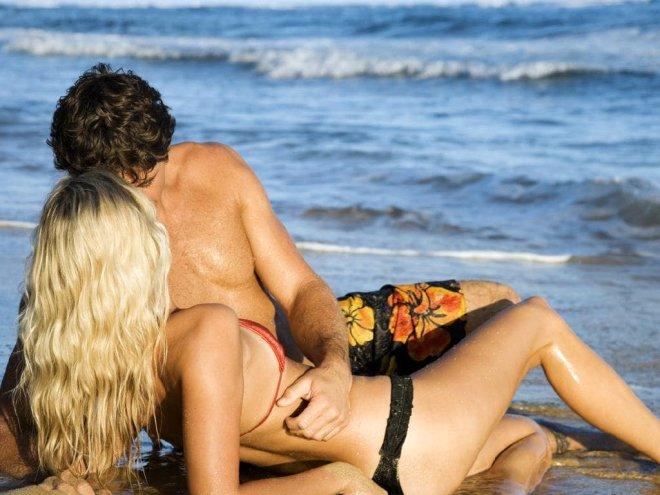 Dünyaca Ünlü Çıplaklar Plajı, Erozyona Sebep Oluyor Diye Cinsel İlişkiye Girmeyi Yasakladı