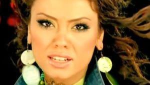 'Adam Gibi Adam' Şarkısıyla 2000'li Yıllara Damga Vuran Lara'nın Son Hali Şoke Ediyor!