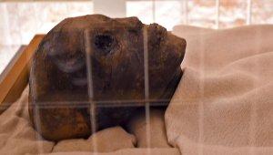 Firavun Tutankhamun'un, Mumyalanmış Yüzü ve Ayakları İlk Kez Görüntülendi