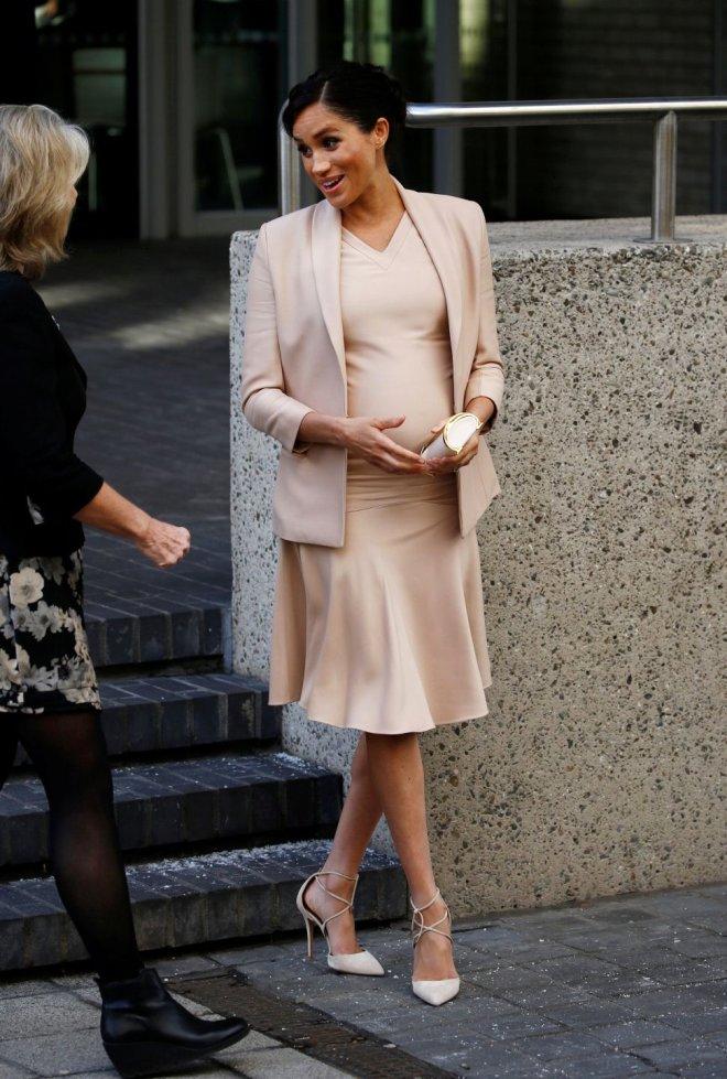 Kraliyet Ailesinin Yeni Gelinine Şok: Aslında Hamile Değil, Silikon Karın Taktırdı!