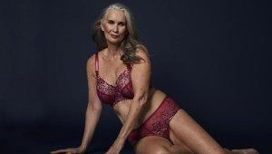 60 Yaşındaki Model, Genç Kızlara Taş Çıkarttı! İç Çamaşırı Markasının Reklam Yüzü Oldu