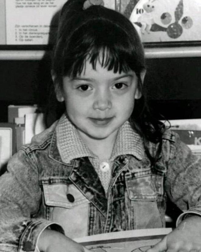 Fotoğraftaki Genç Kızın Kim Olduğunu Duyan Şaşıp Kalıyor!