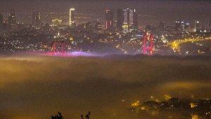 15 Temmuz Şehitler Köprüsü Bir Anda Yok Oldu! İşte İstanbul'daki Yoğun Sisten Manzaralar