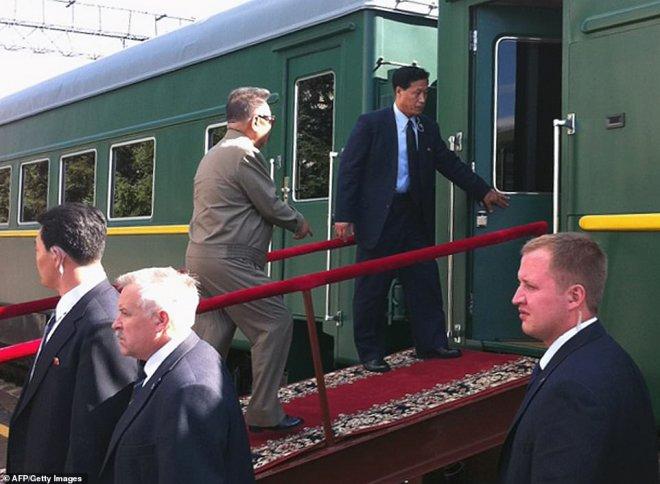 Kuzey Kore Lideri Kim Jong-Un'un Zırhlı Treni, Ağızları Açık Bıraktı!