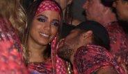 Sakatlığı Yüzünden Sahaya Çıkamıyordu, Rio Karnavalı'nda Çapkınlığın Dozunu Kaçırdı