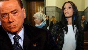 Berlusconi'nin Cinsel İçerikli Partilerini İfşa Eden Genç Modelin Ölümünde Cinayet Şüphesi