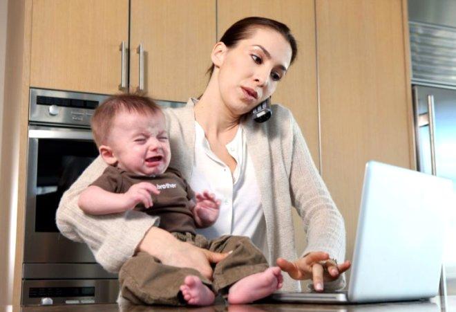 Çalışan Annelere Müjde! Yarım Gün Çalışan Anne Tam Gün Maaş Alacak