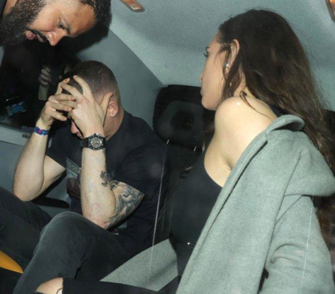 Yıldız Futbolcunun Skandal Gecesi! Gece Kulubünde Tanıştığı 2 Kadınla Yakalandı