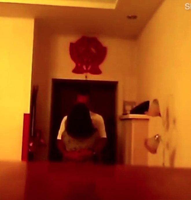 Evde Açık Unuttuğu Kamera Gerçeği Ele Verdi! En Yakın Arkadaşı Eşiyle Yattı!