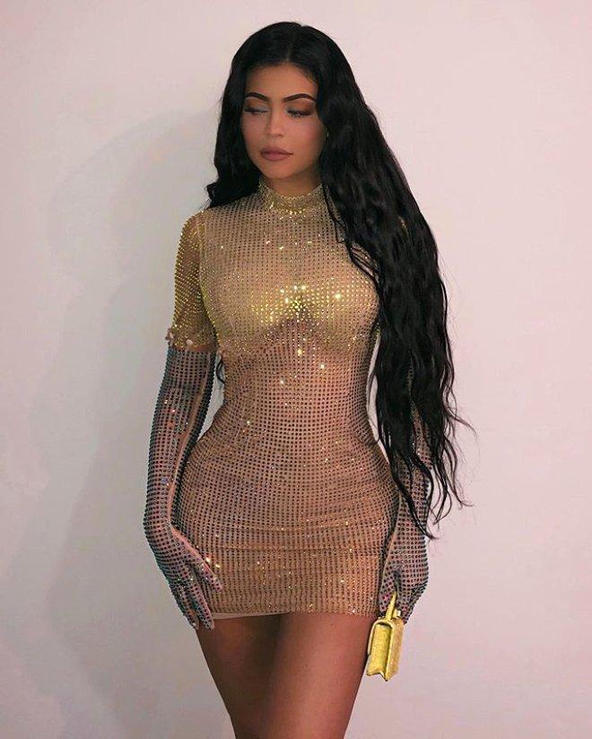 Kylie Jenner Süper Minisiyle Festivale Damga Vurdu!