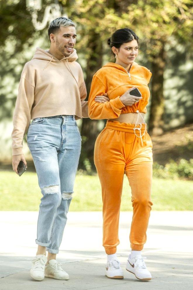 Kylie Jenner, Makyajsız Haliyle Hayal Kırıklığına Uğrattı! Tanınmaz Halde