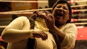 Kadınların Ölümüne Dövüşü! Yüzünü Tırmaladı, Saçlarını Çekip, Yerlerde Sürüdü