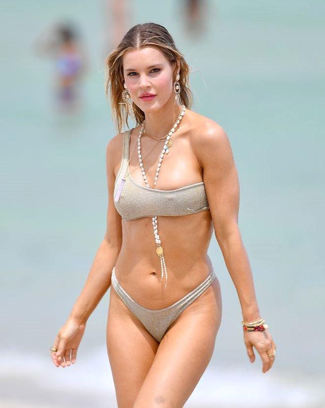 Ateşli Model, Miami Sahillerinde Fırtına Gibi Esti!