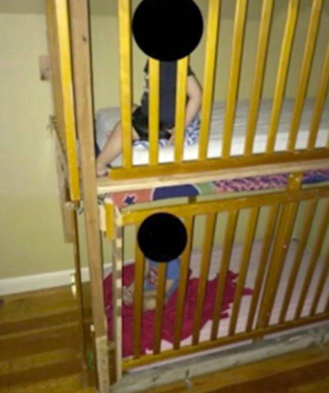 Akılalmaz İşkence! İkiz Bebeklerini Doğar Doğmaz Kafese Kapattılar