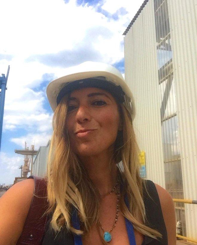 Havalimanı'nda Görevliye Hakaret Yağdıran Funda Esenç'in, Sosyal Medya Hesabından Olay Kareler
