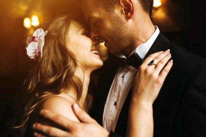 Gelin ve Damat Düğünün Ortasında Cinsel İlişkiye Giriyor! İşte, Birbirinden Tuhaf Cinsel Gelenekler