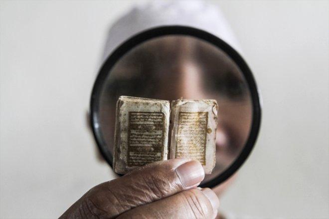 Dünyanın En Küçük Kuran-ı Kerim'i, Bakın Hangi Ülkede!