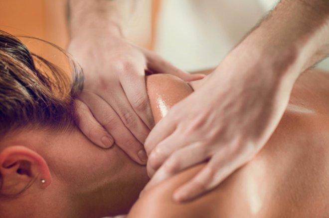 Omuz masajı ağrıyı arttırabilir!