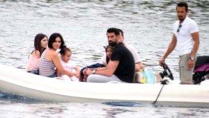 Yıldız kaleci Volkan Demirel, ailesiyle Bodrum'da stres attı