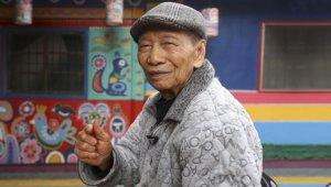 Köyünün yıkılmasını istemeyen yaşlı adam öyle bir şey yaptı ki, dünya onu konuşuyor