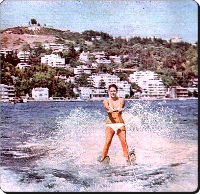 Boğaziçi'nde su kayağı keyfi / 1970'ler