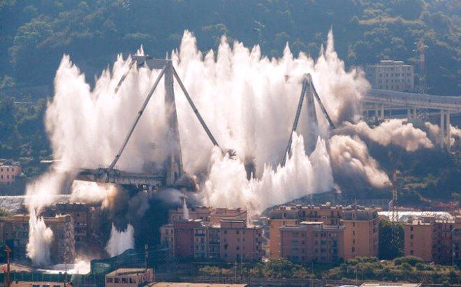 43 kişiye mezar olan köprü, 6 saniyede yok oldu!