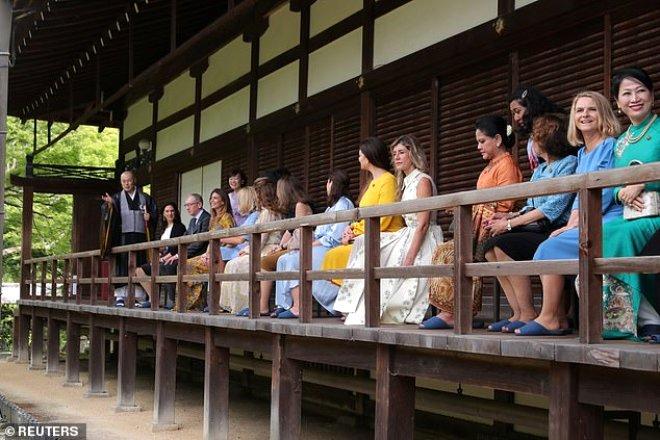 Dünya liderlerinin eşleri Japonya'da bir araya geldi! Emine Erdoğan da oradaydı
