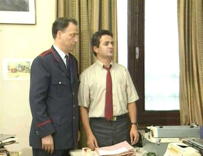 Kemal Sunal, 'Şaban' karakterinden tamamen çıkmış ve oyunculuğuyla döktürmüştür...