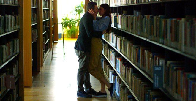 Aşırı cep telefonu kullanan öğrencilerin daha fazla cinsel ilişki partneri oluyor!