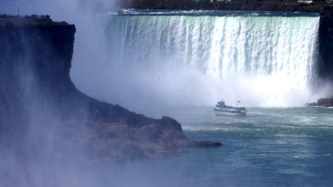 Niagara Şelalesi'nden 57 metre aşağı düştü! Kılına bile zarar gelmedi