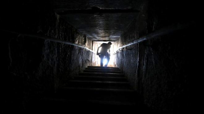 Milattan önce 2600 yılında inşa edilen ünlü piramit, ziyarete açıldı! Mumyalar da sergilenecek