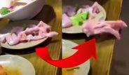 Restoranda korkunç an! Servis edilen tavuk canlanıp zıpladı
