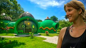 Bulaşık deterjanıyla yapılan Kosta Rika'daki bu ev görenleri kendine hayran bırakıyor!