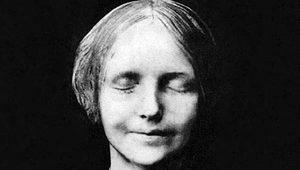 CPR mankeni Resusci Anne, aslında intihar eden bir kız çocuğu!