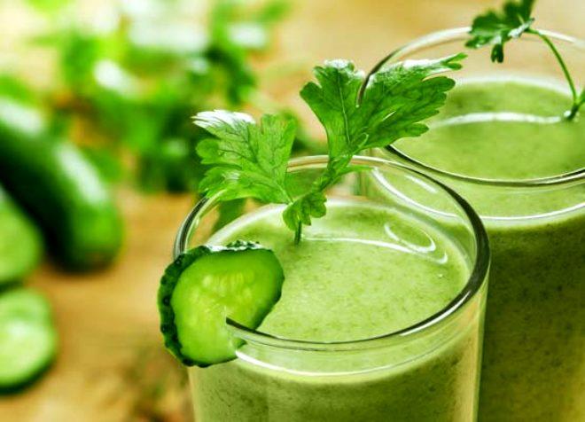 Harareti yok ediyor, kansere kalkan oluyor! İşte salatalık suyunun mucizevi faydaları