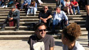 Bu merdivene oturan yandı! 2 bin 400 lira ceza ödeyecek